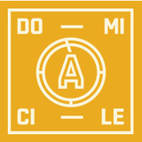À Domicile logo Commis générales de cuisine Hôte / Hôtesse  Busboy resto emploi restaurant