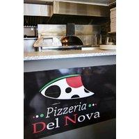 pizzeria Del nova logo Cuisinier et Chef Serveur / Serveuse Livreur  resto emploi restaurant